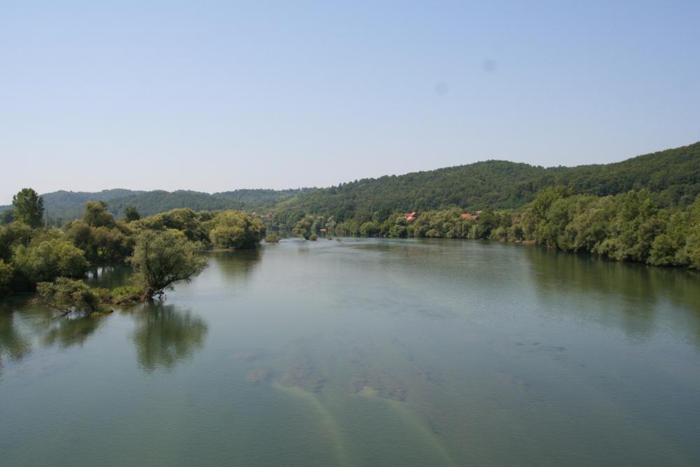 http://share.bahnforum.info/transfer/4b34bb10c170dda14241baa237c7d58d12b33f68/Balkan/s2112.JPG