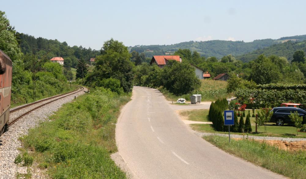 http://share.bahnforum.info/transfer/4b34bb10c170dda14241baa237c7d58d12b33f68/Balkan/s2140.JPG