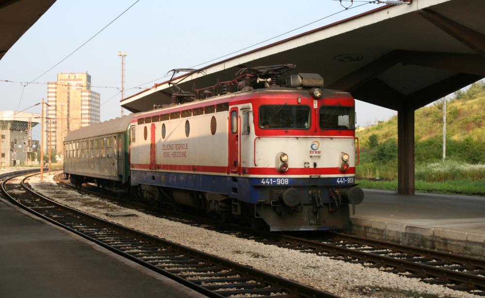 http://share.bahnforum.info/transfer/4b34bb10c170dda14241baa237c7d58d12b33f68/Balkan/s3007.JPG