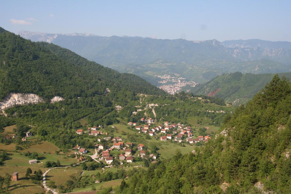 http://share.bahnforum.info/transfer/4b34bb10c170dda14241baa237c7d58d12b33f68/Balkan/s3047.JPG