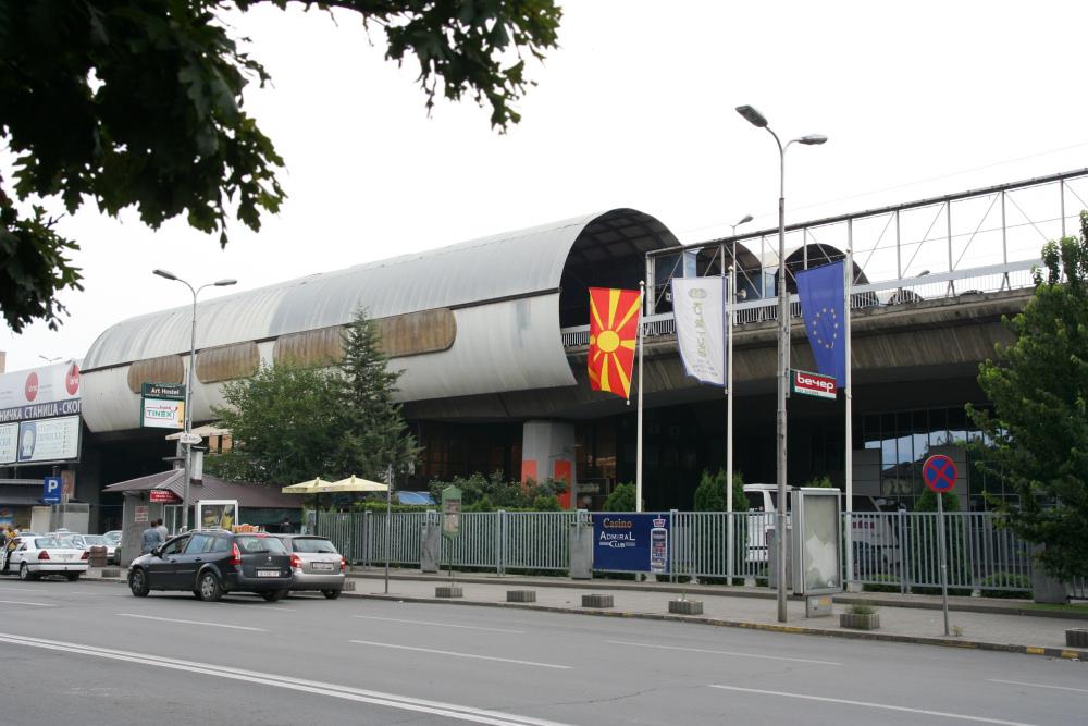 http://share.bahnforum.info/transfer/4b34bb10c170dda14241baa237c7d58d12b33f68/Balkan/s5227.JPG