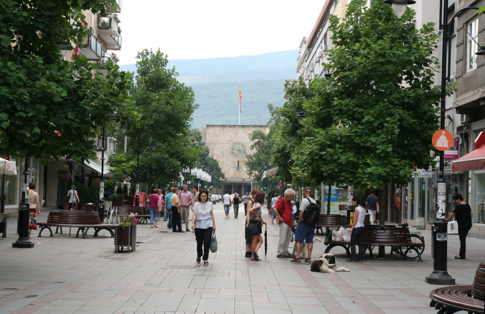 http://share.bahnforum.info/transfer/4b34bb10c170dda14241baa237c7d58d12b33f68/Balkan/s5242.JPG