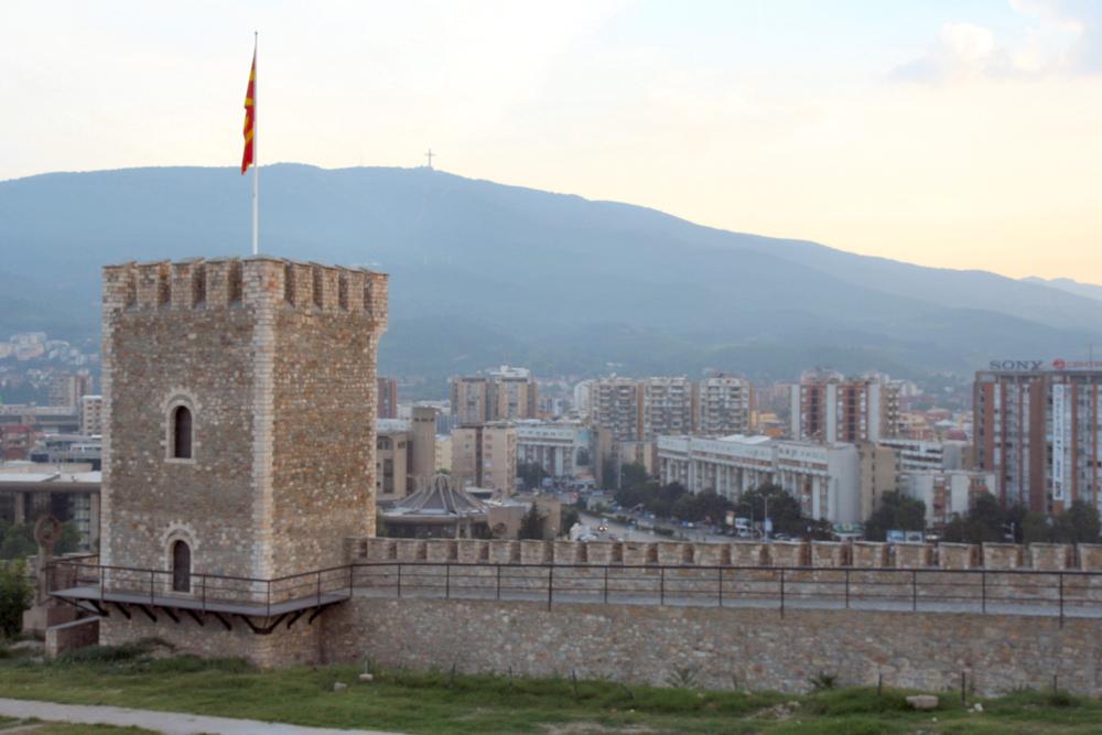 http://share.bahnforum.info/transfer/4b34bb10c170dda14241baa237c7d58d12b33f68/Balkan/s5282.JPG