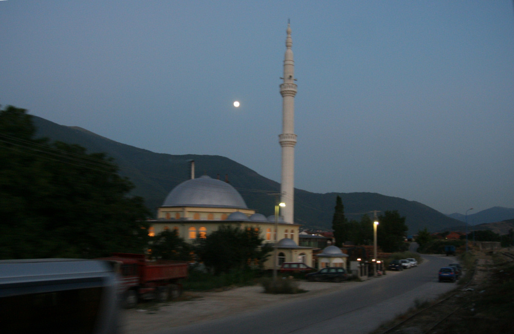 http://share.bahnforum.info/transfer/4b34bb10c170dda14241baa237c7d58d12b33f68/Balkan/s5426.JPG