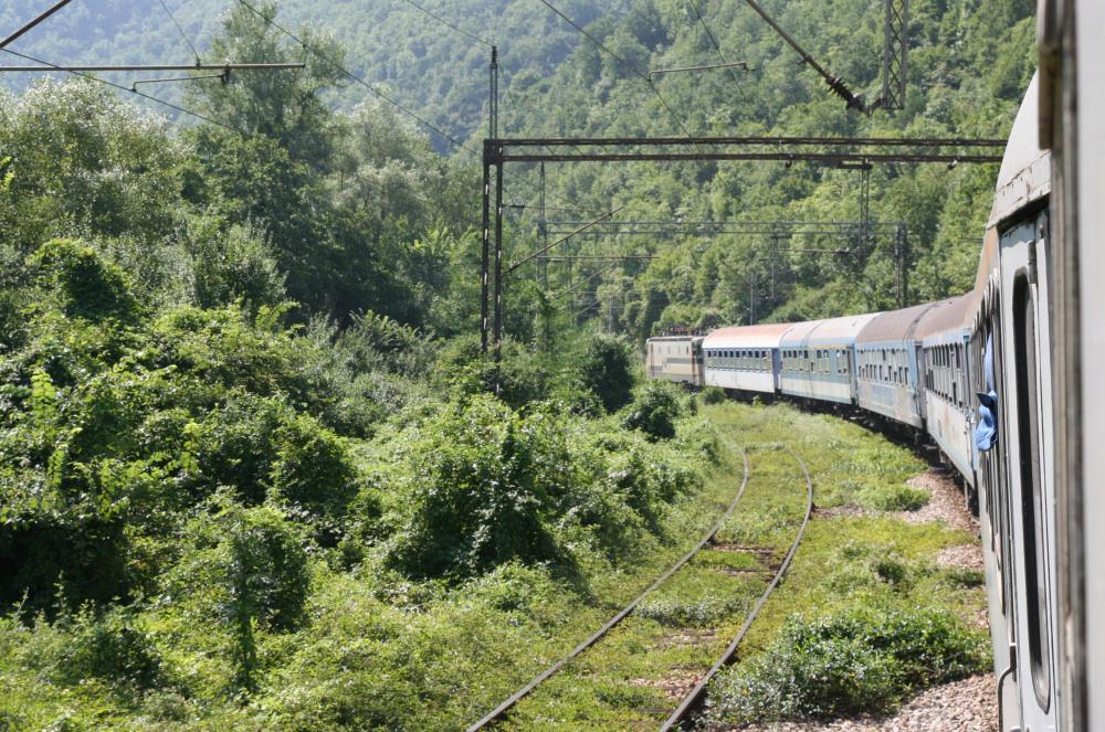 http://share.bahnforum.info/transfer/4b34bb10c170dda14241baa237c7d58d12b33f68/Balkan/s6009.JPG