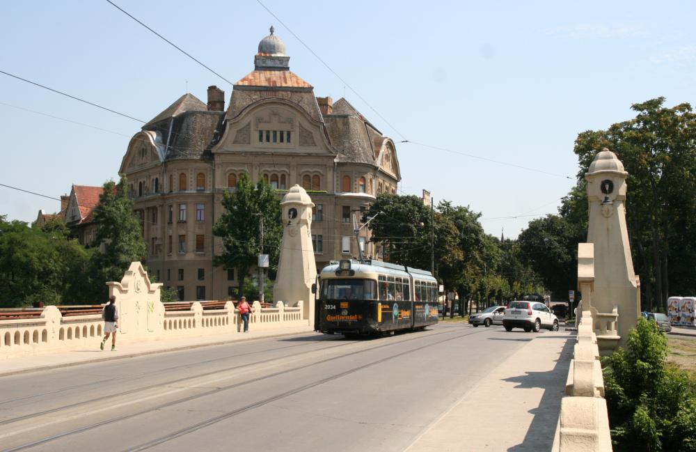http://share.bahnforum.info/transfer/4b34bb10c170dda14241baa237c7d58d12b33f68/Balkan/s8050.JPG