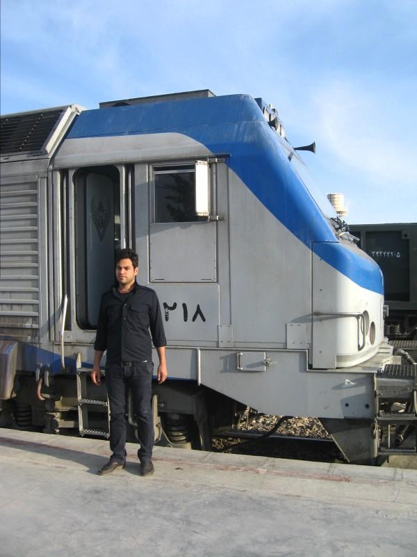 http://share.bahnforum.info/transfer/e825dbc060ecc7caa98ce2687fe5a58c9db17011/Iran_2013/ridotti/IMG_2340.JPG